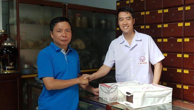 Anh Chu Đình Thọ đến Y Tâm Đường mua Đại Bổ Thang và Đại Bổ Thang Đặc Biệt