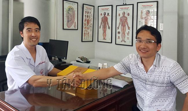 Anh Khâu Hải Minh là người Trung Quốc sang Việt Nam điều hành doanh nghiệp ở tỉnh Bình Dương. Anh đã dùng và rất thích Sâm Nhung Hải Mã thang. Mỗi dịp về nước, anh thường đến Y Tâm Đường để mua thang thuốc này làm quà cho người thân và bạn bè ở Trung Quốc